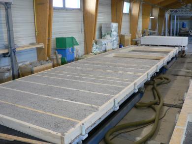 Panel vyfoukaný tepelnou celulózovou izolací